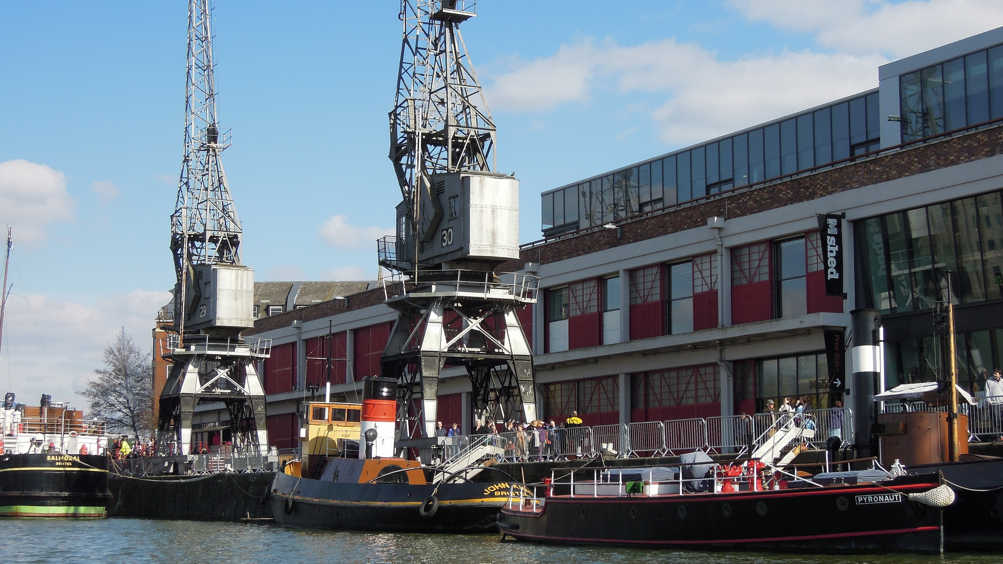 Example of a cranes in Bristol, UK. Photo: David McKelvey CC BY-NC-ND 2.0