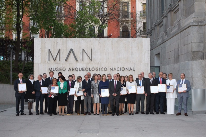 HM Queen Sofia with the Spanish Award winners of 2013 and 2014 after the ceremony held at the National Archaeological Museum in Madrid on 17 April 2015. Photo: © Casa de S.M. el Rey