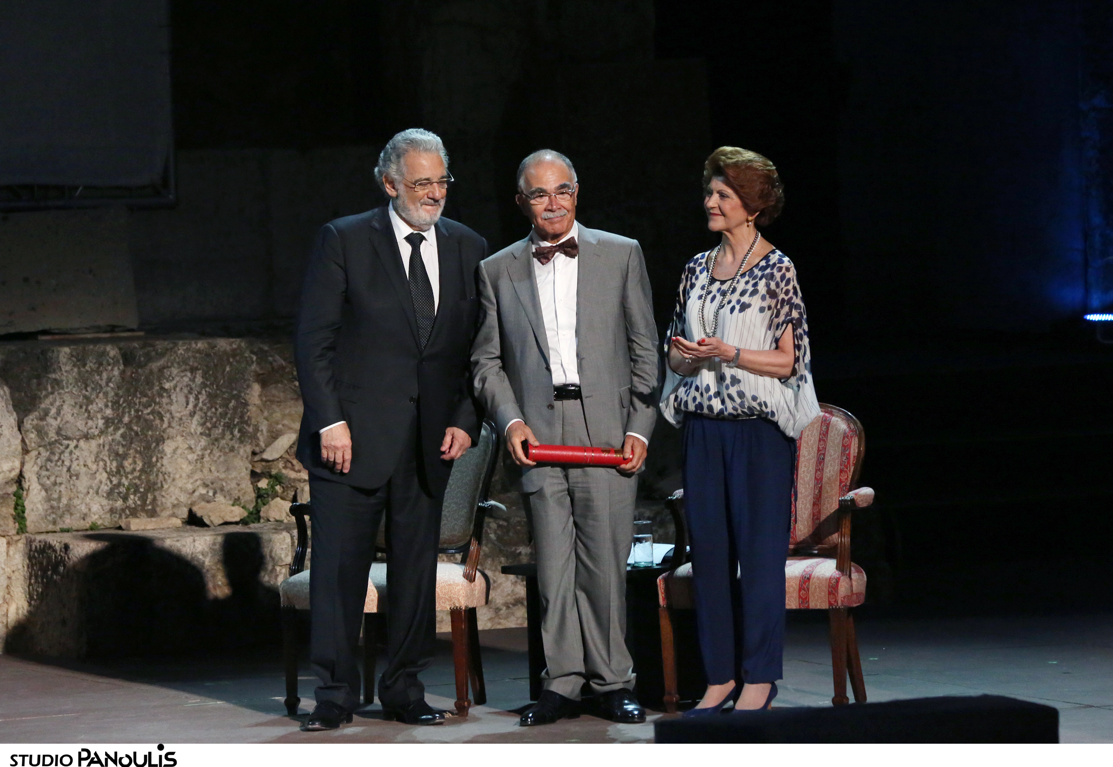 Plácido Domingo, Commissioner Vassiliou and Denis de Kergorlay applauded the exceptional restoration of the Propylaea Central Building