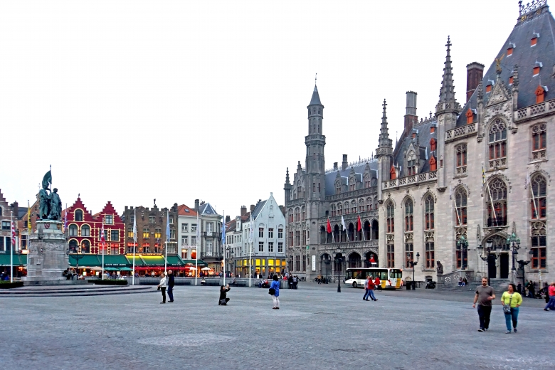 The juries for the categories Conservation and Education, Training and Awareness-Raising will meet in Bruges on 18-19 February. Photo: Market Square, Dennis Jarvis, CC BY-SA 2.0