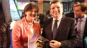Photo: President Barroso receives a copy of Heritage in Motion. © Winand Quaedvlieg
