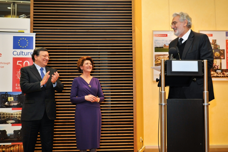 President Barroso, Commissioner Vassiliou and Plácido Domingo at the opening of the photo exhibition 'Europe: Our Past, our Future' about the EU Prize for Cultural Heritage / Europa Nostra Awards. Photo: Jorge Rojas