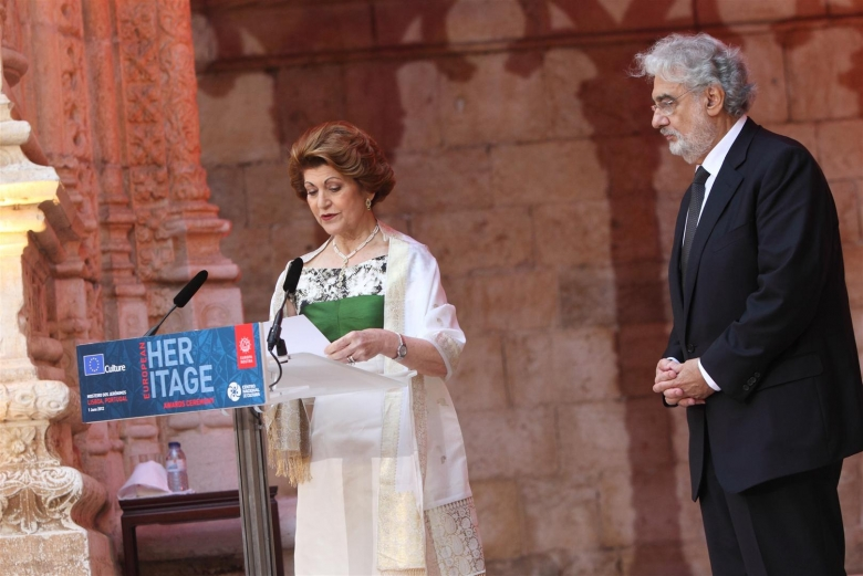 Photo: Mrs Androulla Vassiliou and Maestro Placido Domingo announcing the Grand Prix winners of the European Union Prize for Cultural Heritage/Europa Nostra Awards 2012 in Lisbon. Pedro Melim/Europa Nostra