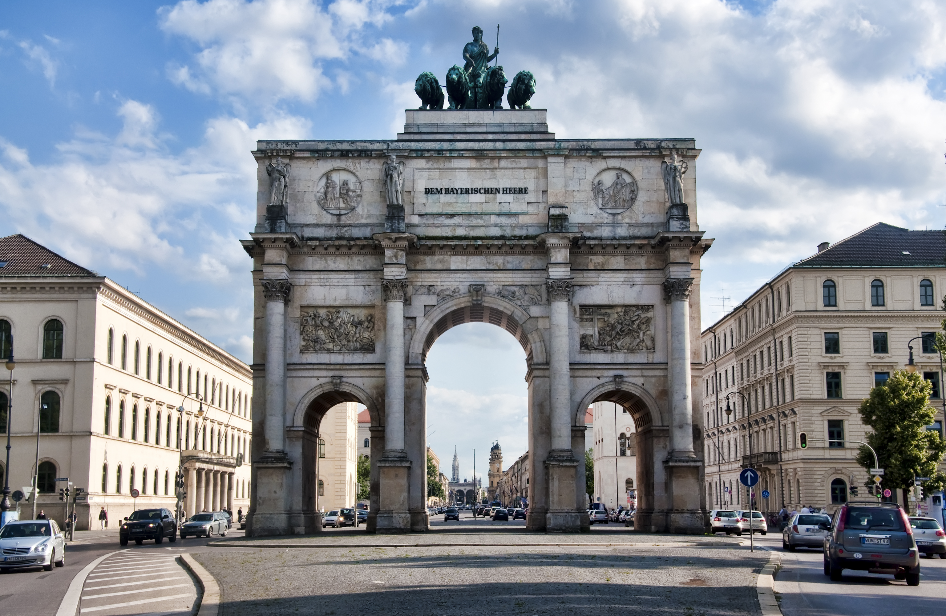 Ludwigstrasse and the victory gate in Munich. Photo: Werner Kunz (CC BY-NC-SA 2.0)